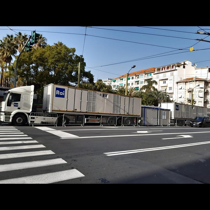 Festival di Sanremo | I tir della RAI in Piazza Colombo